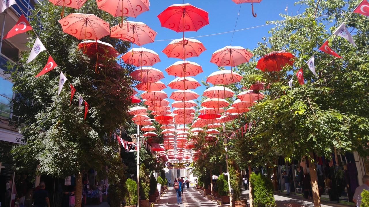 Şemsiye Sokak