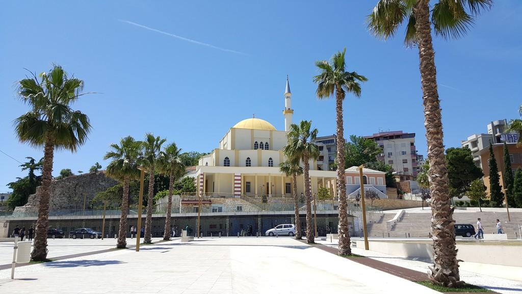 Büyük Cami - Xhamia E Madhe