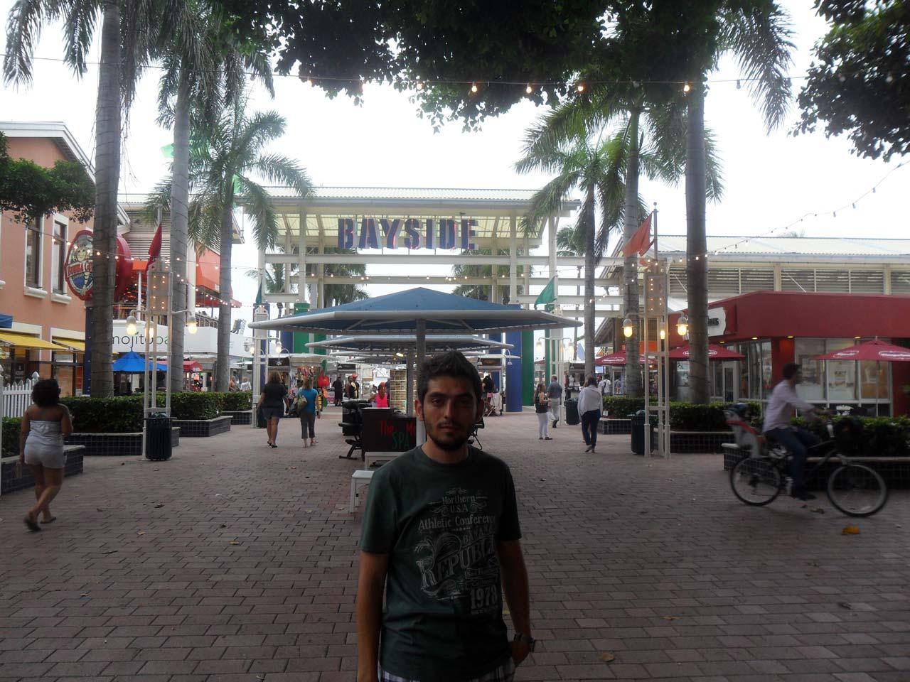 BAYSIDE – büyük bir market yeri