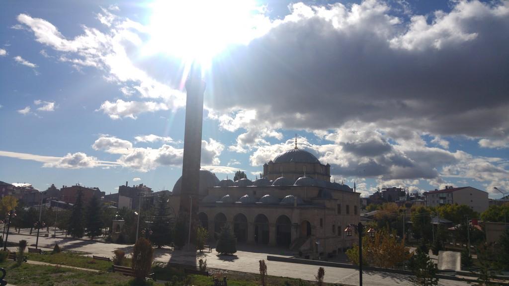 Evliya Cami