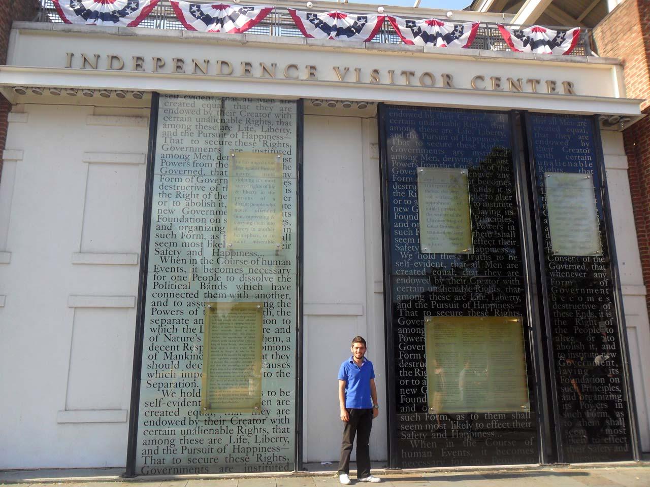 Bulunduğumuz yer Independence Hall.
