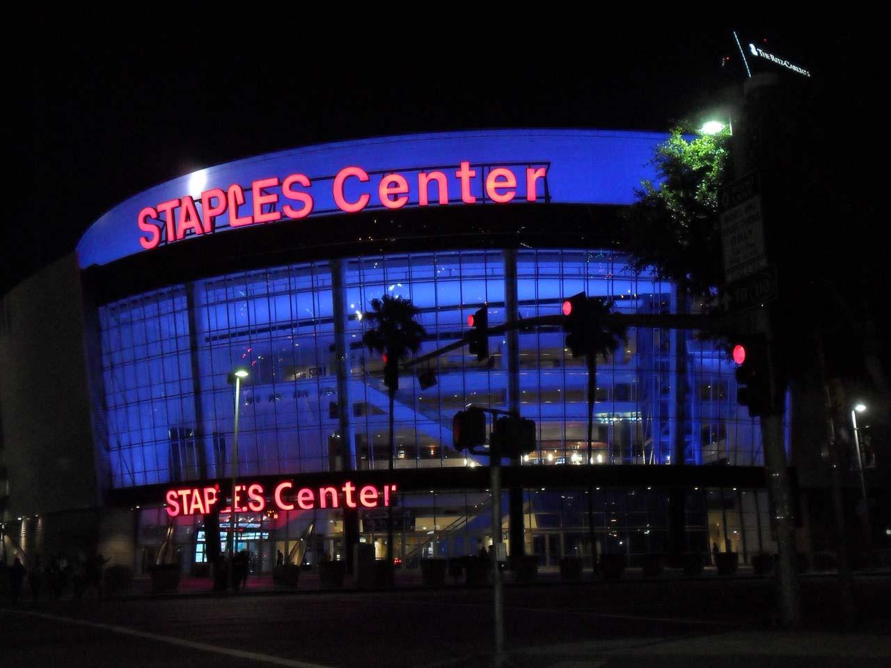 Los Angeles Lakers'ın maçlarını oynadığı stat Staples Center
