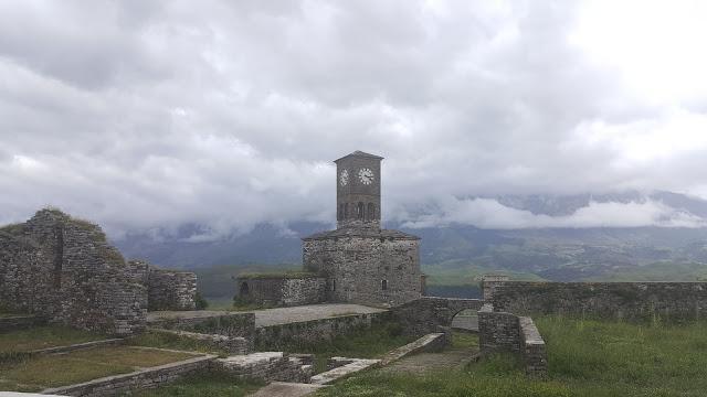 Gjirokaster Kalesi - Saat Kulesi